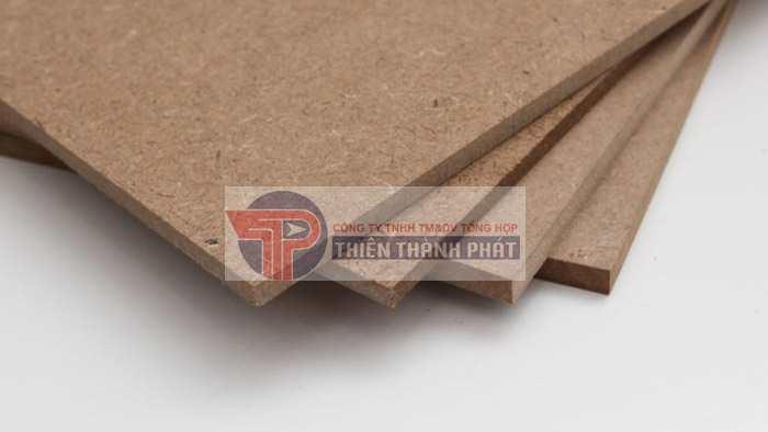 Gỗ HDF có phần vân giống như gỗ thật, có thể dùng để thay thế gỗ tự nhiên