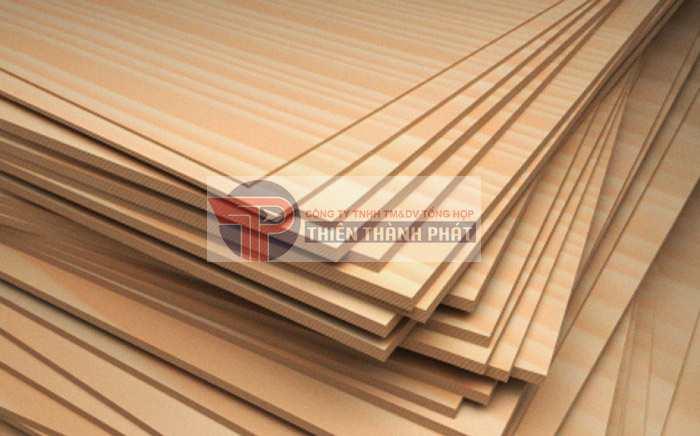 Gỗ Plywood thường được dùng để trang trí nội thất, ván sàn,….