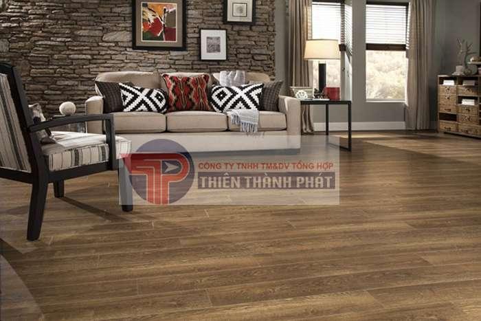 Sàn gỗ công nghiệp có thể dùng để lát thẳng lên bất cứ một mặt phẳng nào mà không cần dùng hệ thống xương dầm