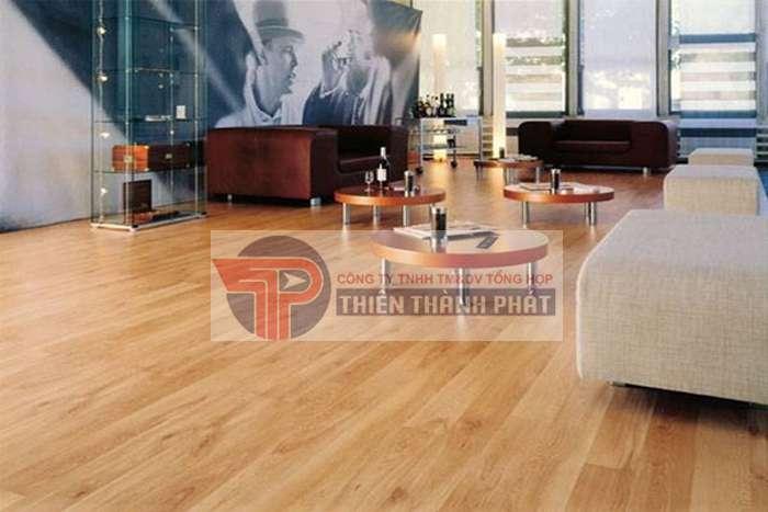 Sàn gỗ công nghiệp là vật liệu được sản xuất dựa trên dây chuyền công nghệ hiện đại và có tính thẩm mỹ cao