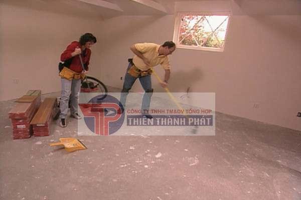 Chuẩn bị mặt bằng trước khi lắp đặt sàn gỗ công nghiệp