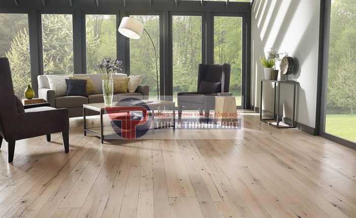 Sàn gỗ công nghiệp chỉ có mức giá khoảng 1/3 sàn gỗ tự nhiên