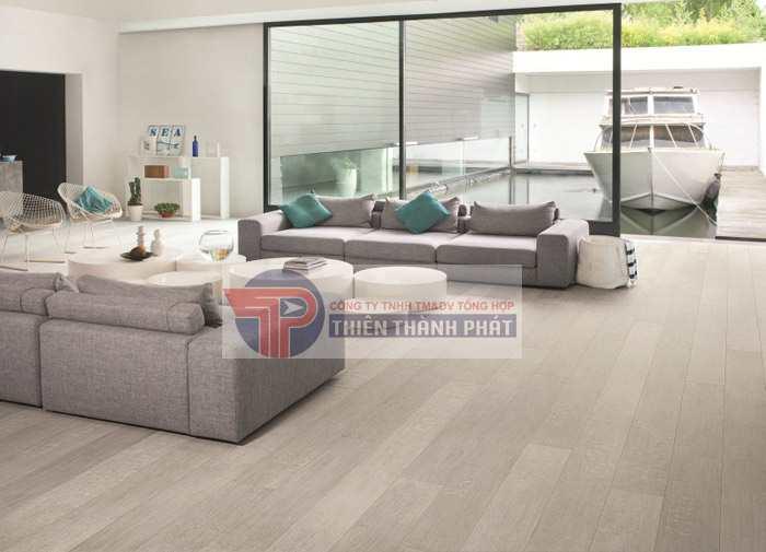 Sàn gỗ công nghiệp có cấu tạo chắc chắn và an toàn với lớp bề mặt kháng khuẩn