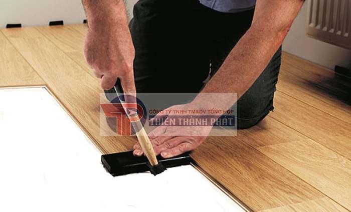 Cách chọn lớp lót sàn gỗ công nghiệp