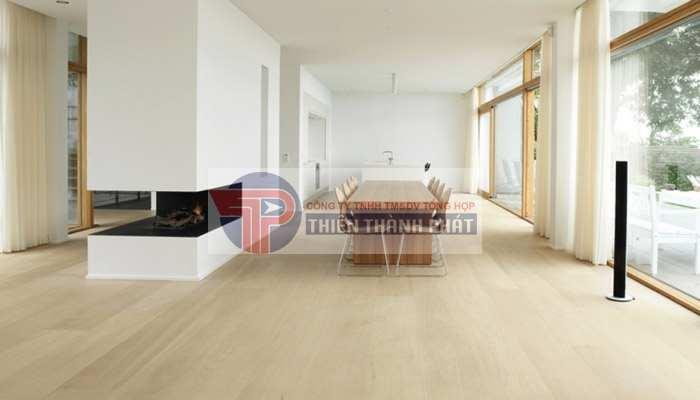 Lựa chọn những mẫu sàn gỗ có bề mặt vân sần