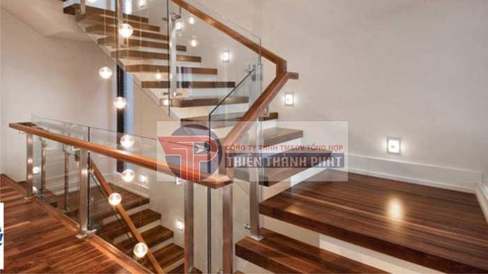 Chọn sàn gỗ lát cầu thang cần đáp ứng yêu cầu nào?