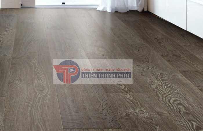 Nên sử dụng sàn gỗ công nghiệp bản to hay bản nhỏ?