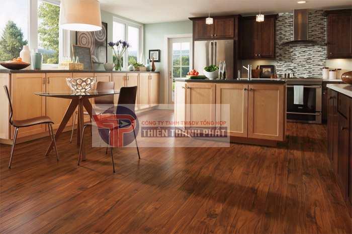 Lựa chọn thi công lắp đặt sàn gỗ công nghiệp phòng bếp là nhu cầu của nhiều gia đình hiện nay