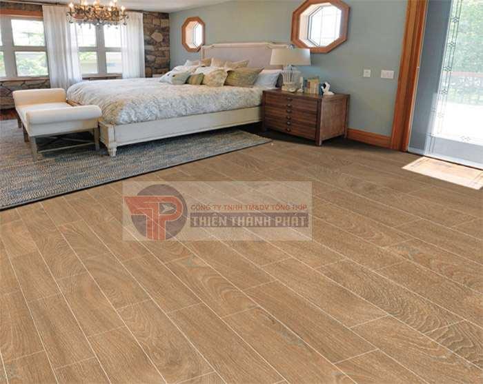 Sàn gỗ công nghiệp vân sần có độ ma sát khá tốt, khả năng chống trơn trượt tốt