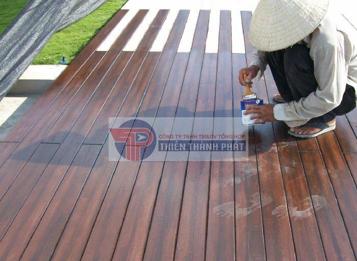 Sàn gỗ Conwood có khả năng chịu mưa nắng rất tốt