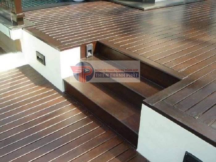 Quá trình sử dụng sẽ ảnh hưởng rất lớn đến độ bền và thẩm mỹ của sàn gỗ Conwood