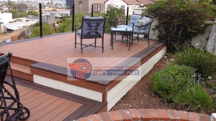 Sàn gỗ ngoài trời Conwood nếu được sử dụng đúng cách, bảo dưỡng thường xuyên có thể sử dụng tốt trong 30 – 35 năm